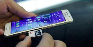 Samsung Galaxy S7 okostelefon SIM kártya