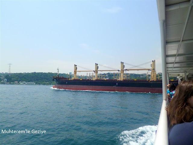 İstanbul boğazında tanker