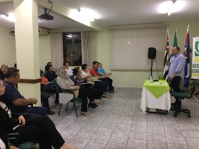 Prefeito Gilson reúne-se com comerciantes do Boulevard em Registro-SP