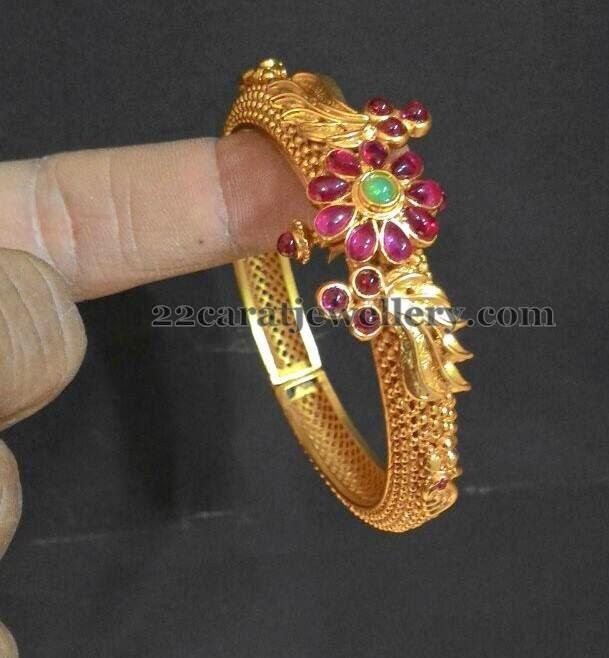 Available 1 Gram Gold Kada Designs Jewellery Designs