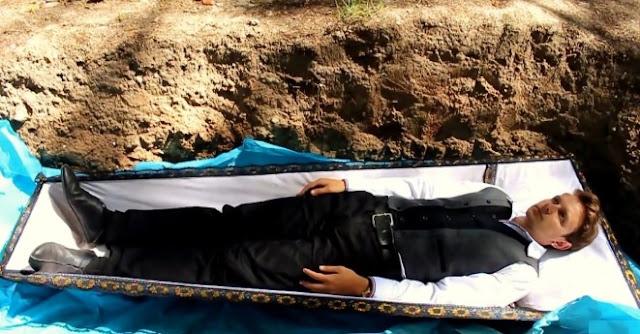 Psikologu varros të gjallë pacientin që të kurojë Problemet Psikologjike
