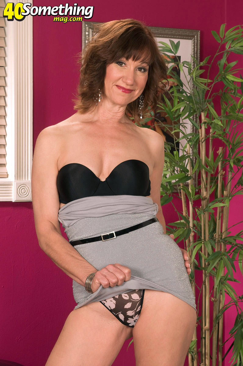 Mature Lovers Elle Denay Montre Sa Culotte-3687