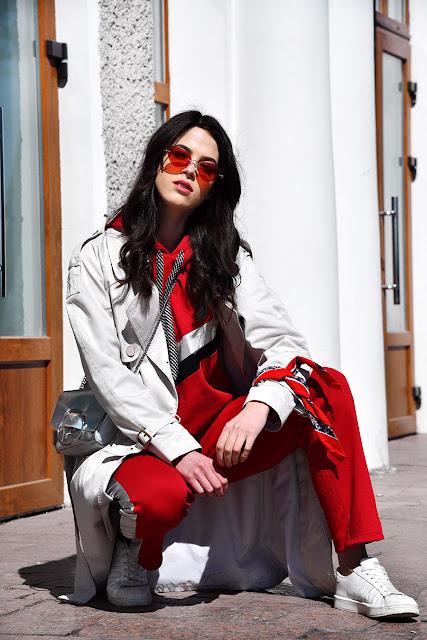 hoodie, red sunglasses