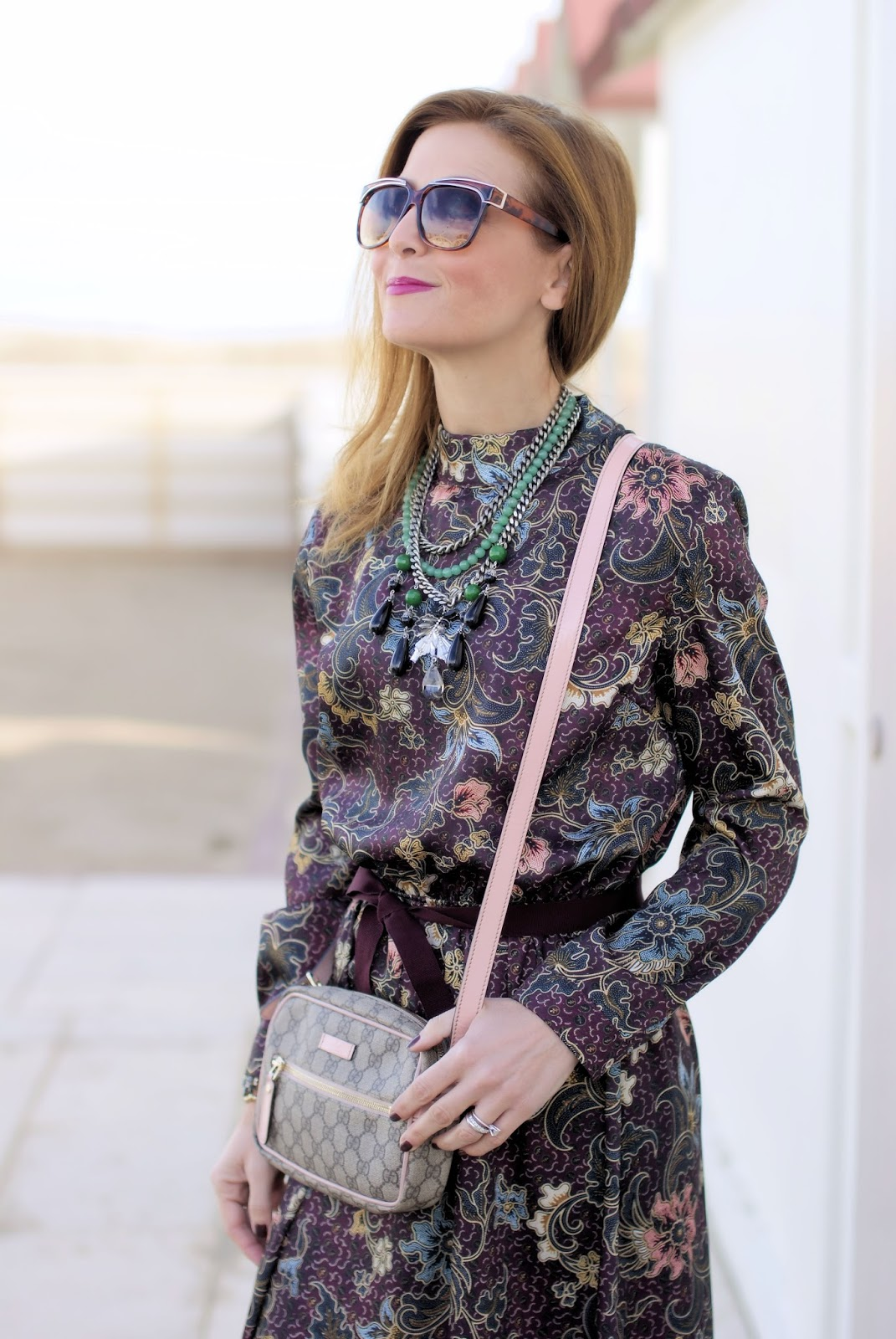 70s style floral dress and Gucci bag on Fashion and Cookies fashion blog, fashion blogger style