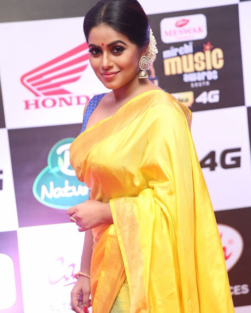Actress Poorna beautiful saree photos