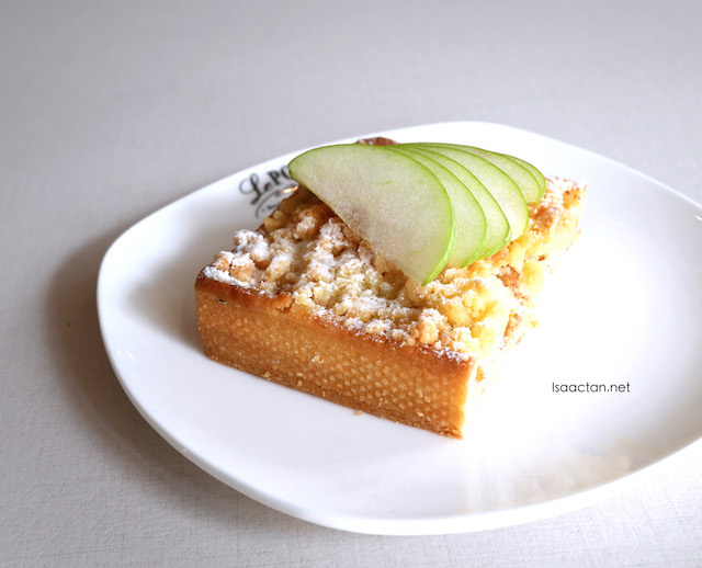 Apple Crumble Tart (RM10.90)