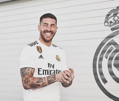 [Imagen: camiseta_Real_Madrid_primera_2018_2019%2...1%2529.png]