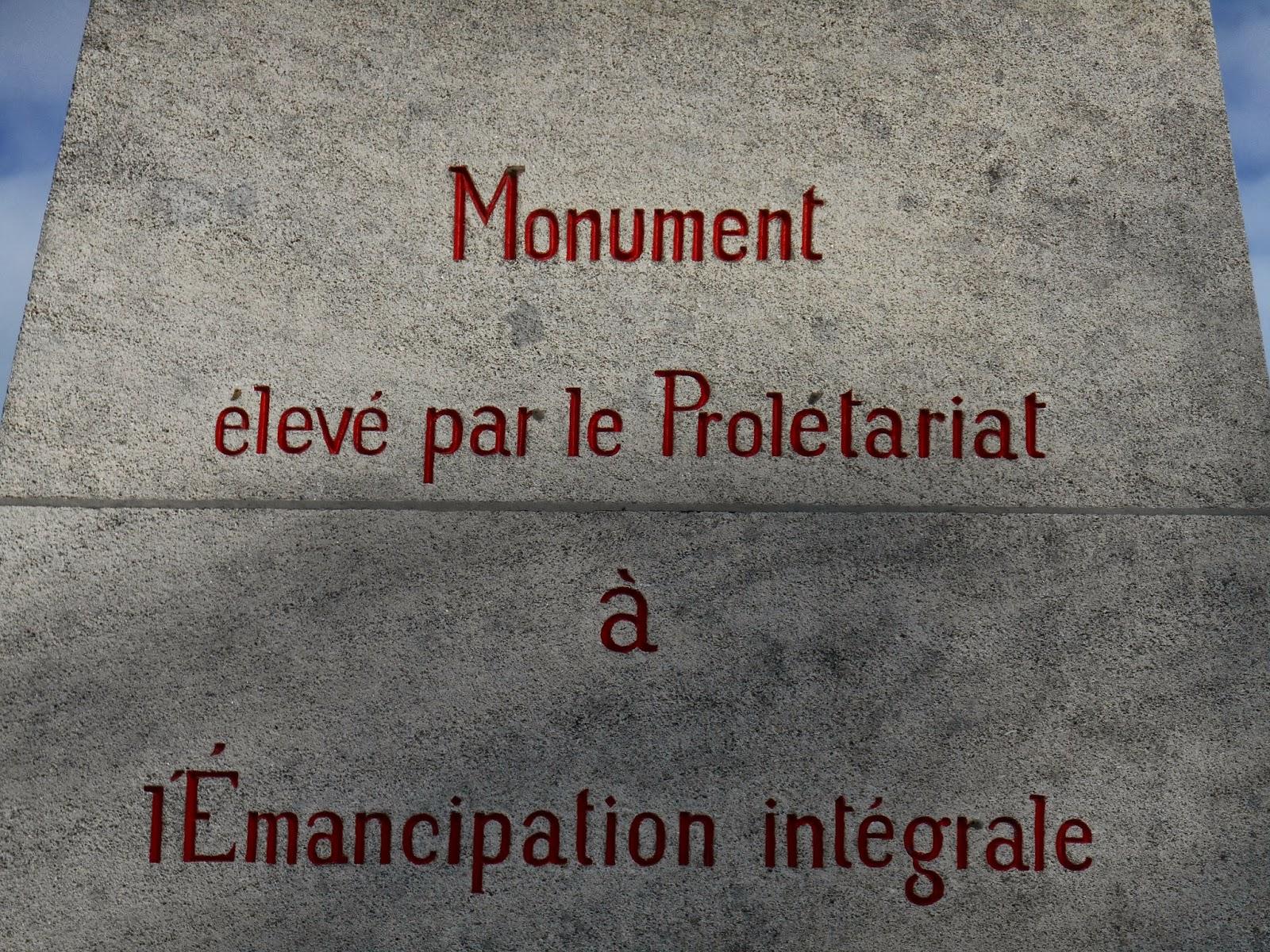 4e4a75e6122e2f En juillet 1766, le Chevalier de La Barre, accusé d avoir, un an plus tôt,  manqué au respect dû à une procession religieuse en refusant d ôter son  chapeau ...