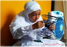 Siswi Madrasah Ibtidaiyah Ikuti Olimpiade Robot di Singapura