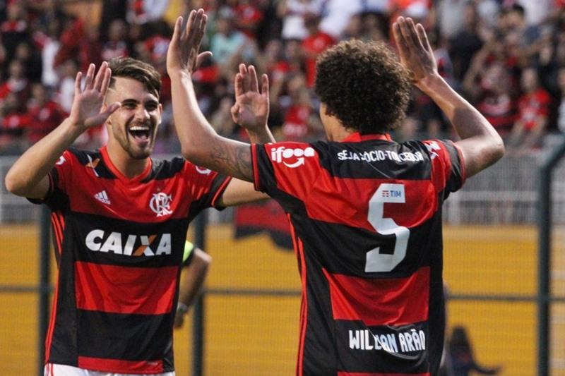 861ec222ce Lance aponta Arão e Vizeu os melhores em goleada do Flamengo.