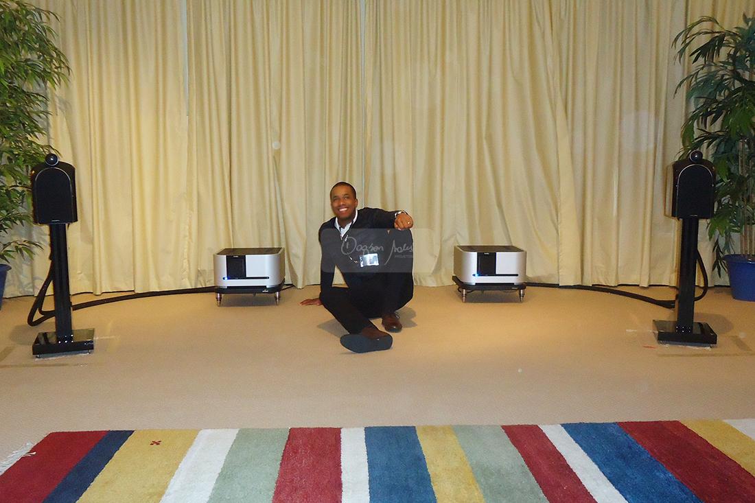 Em visita a Londres Dagson Sales conhece a sede da B&W Bowers & Wilkins e o estúdio Abbey Roads