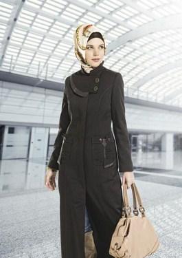 Berbagai gaya busana muslimah untuk kerja dikala ini semakin menarik dan banyak sekali berag 35+ Ide Terbaik Baju Kerja Muslim Modis Untuk Wanita Muslimah 2017
