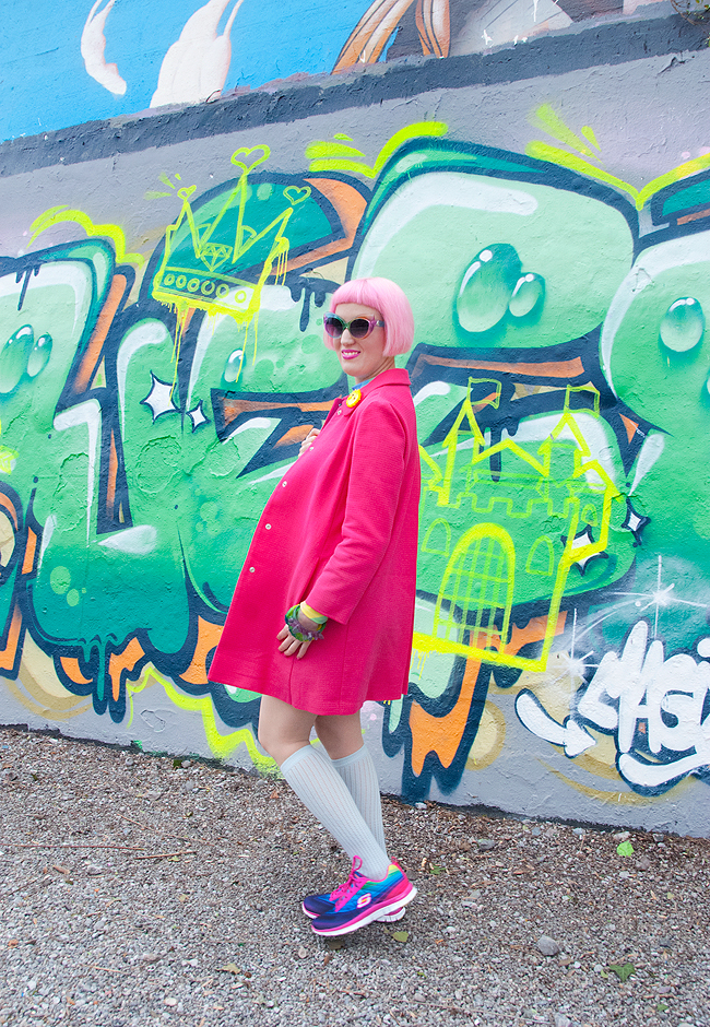 united colors of benetton, pink coat, pink outfit