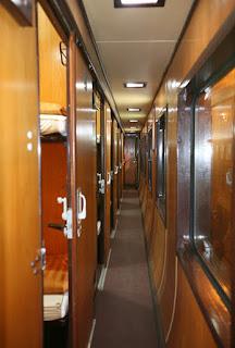 Đông a express train