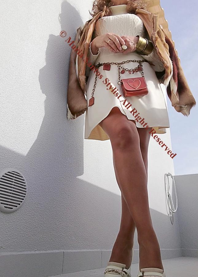 "Home Styling Blogspot - Maria Santos Stylist - Look tom cru com destaque para  ""belt bags"""