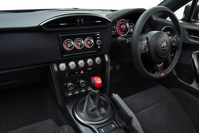 トヨタ、ハイブリッドオープンスポーツカーの新型コンセプト「GR HV SPORTS concept」を発表。