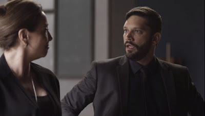 Diogo (Armando Babaioff) fica bravo com Isadora (Marisa Orth) — Foto: Globo