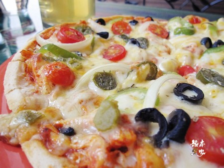 青蛙墨西哥餐廳|各式青蛙飾品|墨西哥辣椒雞肉披薩|台灣啤酒生啤酒|無國界料理