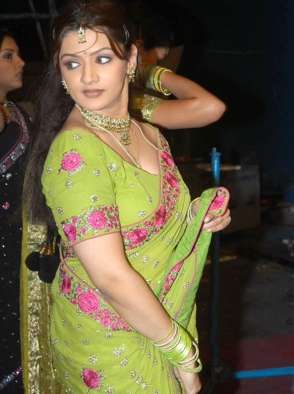 aarthi hot pics