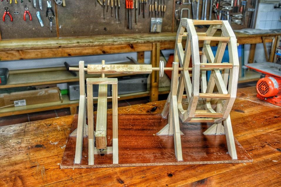 Proyecto Construir maqueta un martillo pilón- Noria