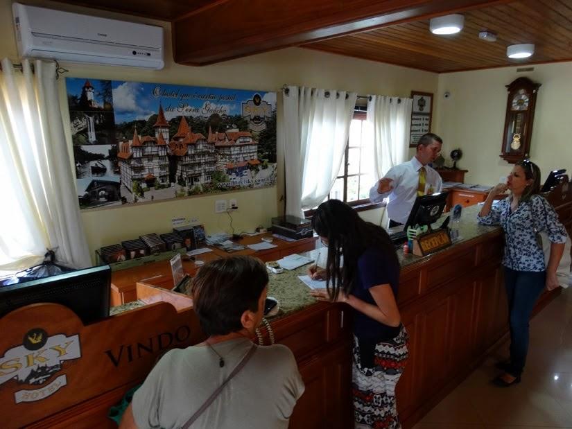 recepção Hotel Sky - Gramado - RS