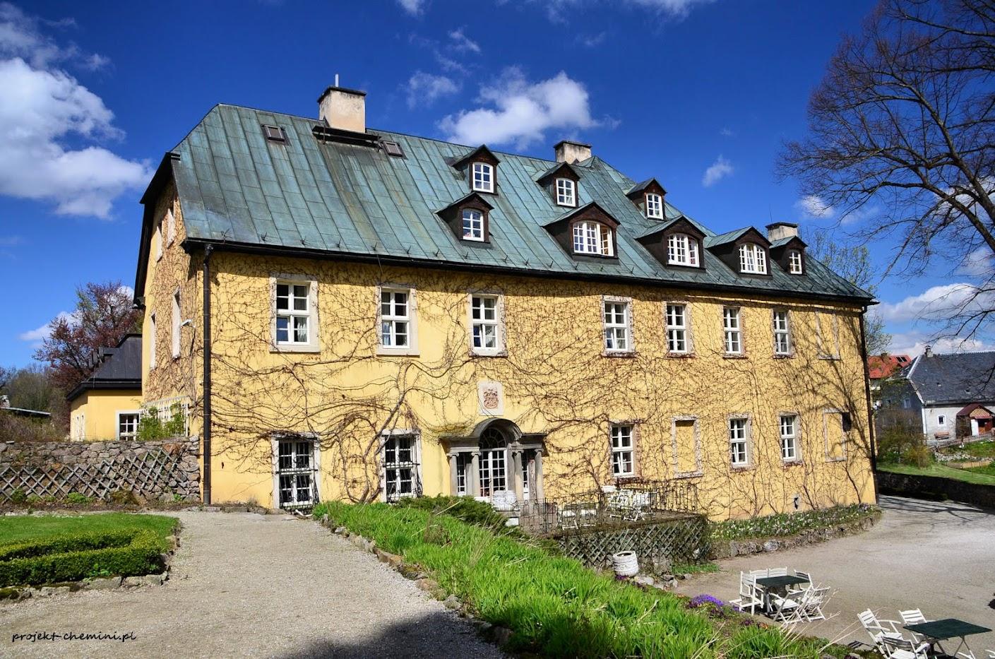 Pałac w Staniszowie Górnym