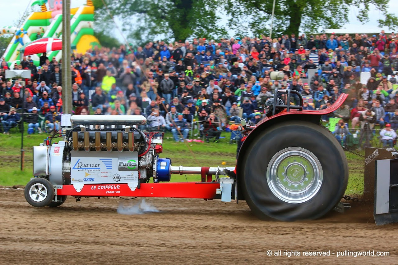 Tractor Puller Clutches : Tractor pulling news pullingworld le coiffeur stage