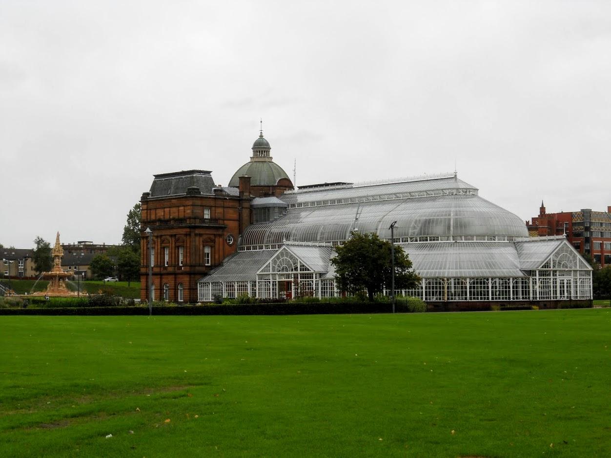 2 days in Glasgow Scotland: Greenhouse in Glasgow Green