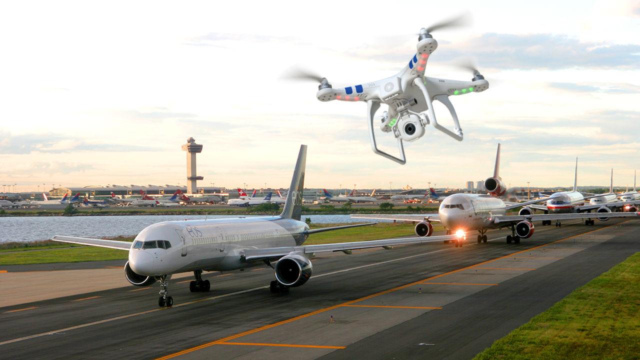 bahaya drone di bandara
