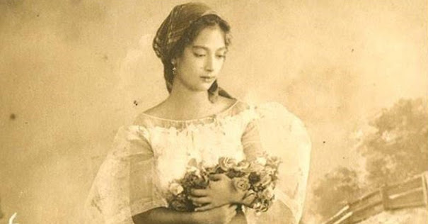 "Image credit:  Wikimedia Foundation, entitled ""Filipina-Spanish mestiza wearing baro't saya."""