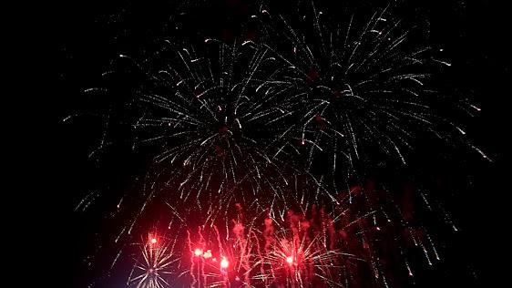 Un momento de los fuegos artificiales en el recinto Ferial de Illescas