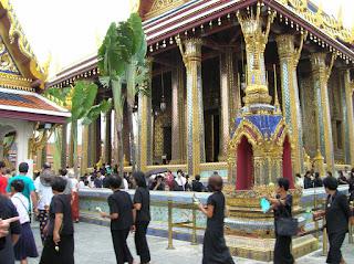 Templo del Buda Esmeralda, Wat Phra Kaew, Bangkok, Tailandia, Tahilandia, vuelta al mundo, round the world, La vuelta al mundo de Asun y Ricardo