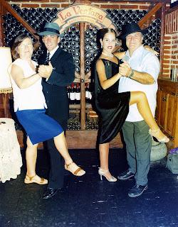 Tango, Sala La Ventana, Buenos Aires, Argentina, vuelta al mundo, round the world, La vuelta al mundo de Asun y Ricardo