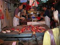 Pescadería, crueldad peces, Hong Kong, China, vuelta al mundo, round the world, La vuelta al mundo de Asun y Ricardo