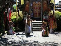 Danza balinesa, indonesia, isla bali, vuelta al mundo, round the world, información viajes, consejos, fotos, guía, diario, excursiones