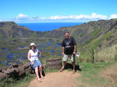 Volcán Rano Kau, Isla de Pascua, Easter Island, vuelta al mundo, round the world, La vuelta al mundo de Asun y Ricardo