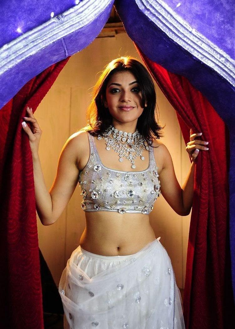 South Indian Actress Kajal Agarwal Hot Navel Photos -2818