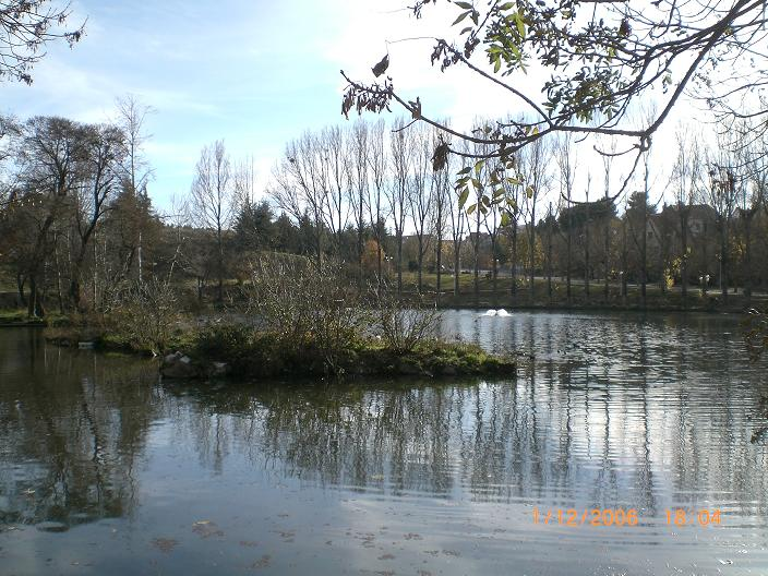 [lake.jpg]