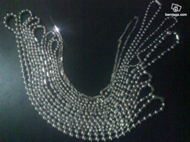 JuaLan eCer: Kalung Besi Putih