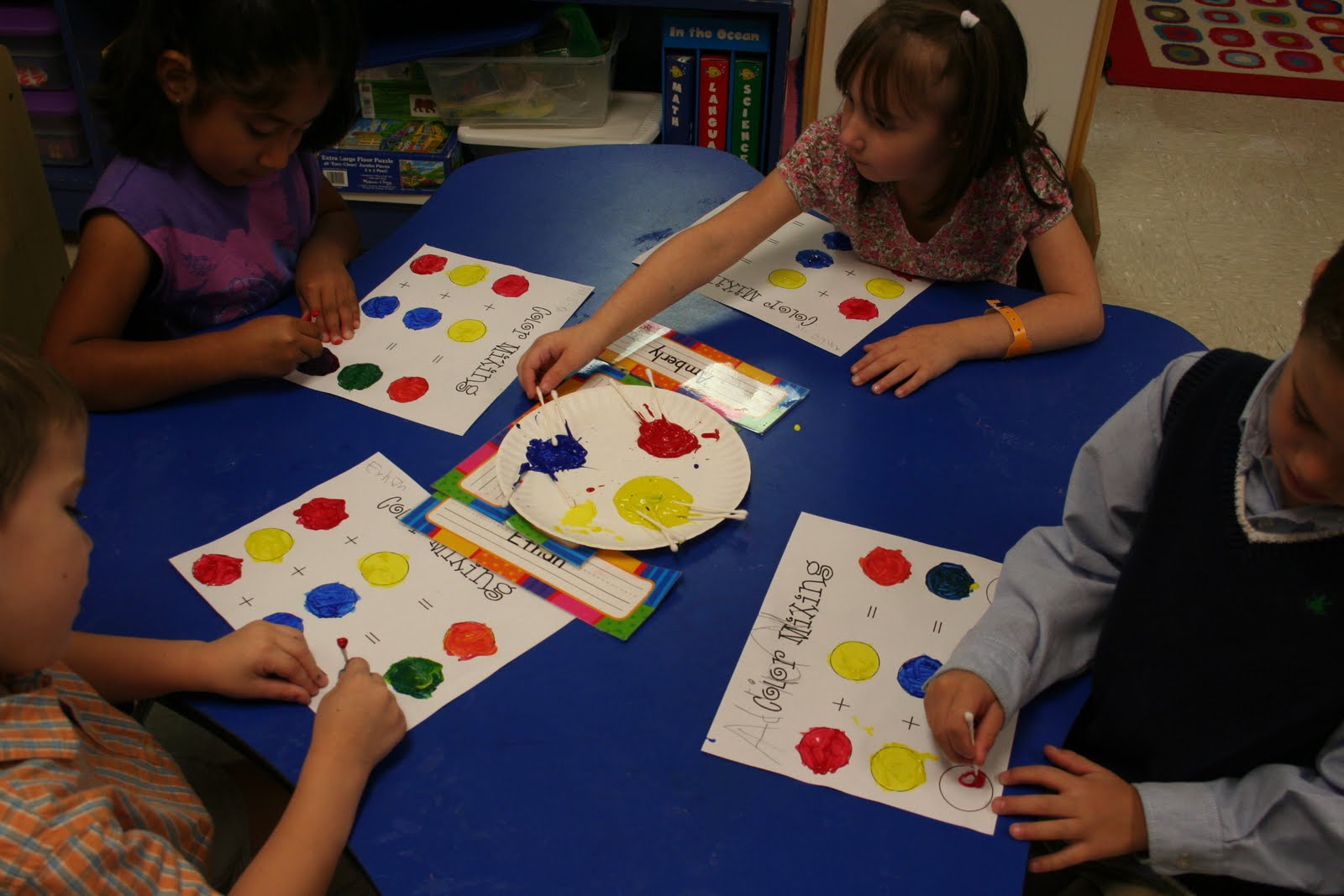Kinder Garden: Mrs. Lee's Kindergarten: Color Mixing