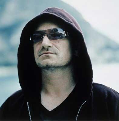 d2ace0643d5f8 Bono Vox Faz Apelo Por Mundo Sem Fome Famosos Band Com