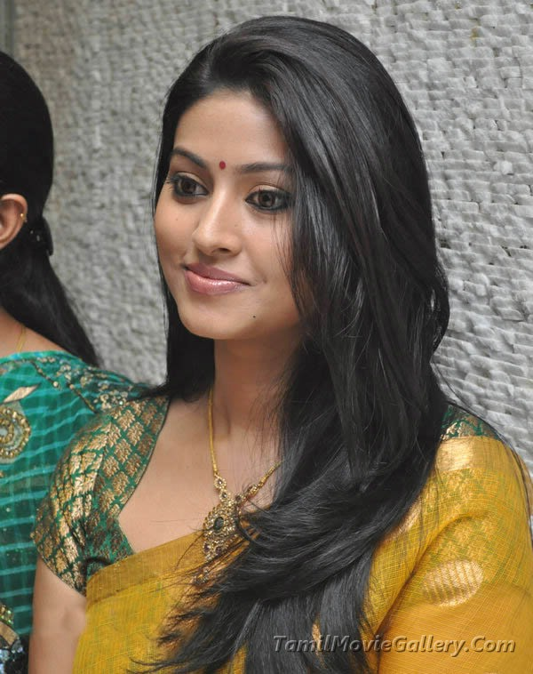 Sneha Cute In Yellow Saree Stills Actress Sneha New Photos