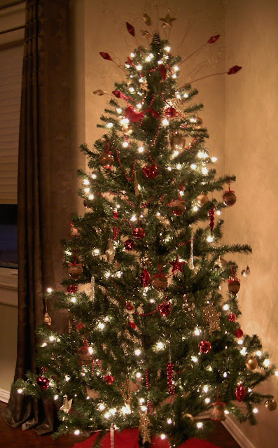 Christmas Tree, Decorated tree, Canadian Christmas, Christmas traditions