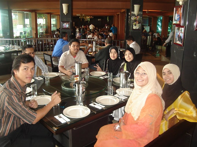 'LUNCH TIME' RAYA AT PEN MUTIARA RESTAURANT