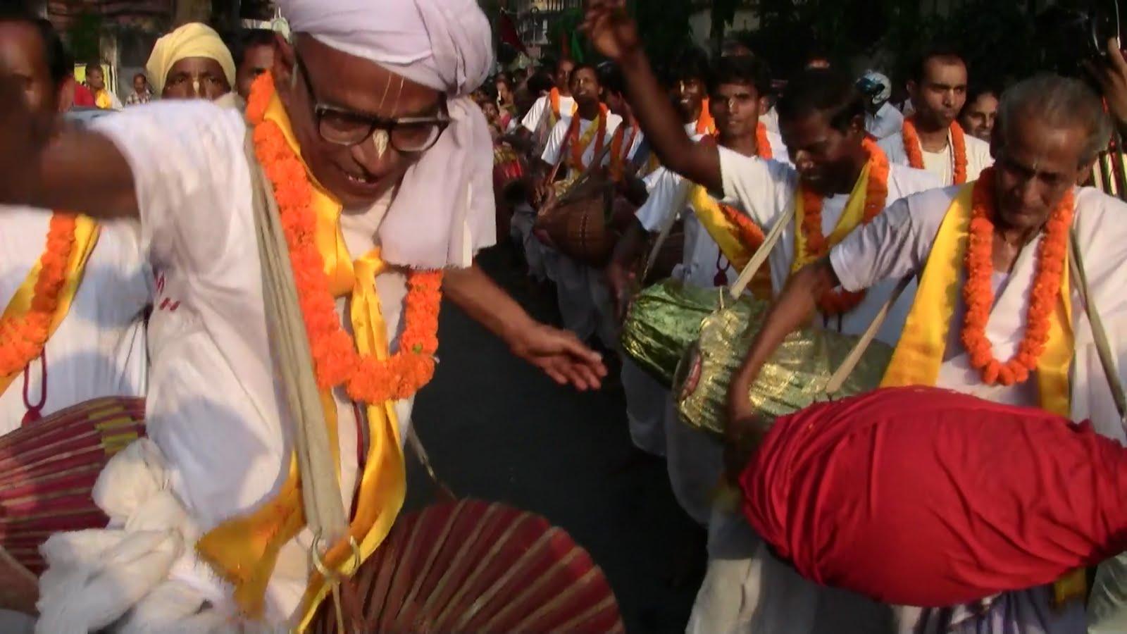 Hare Krishna News - Gaudiya News: Vyasapuja celebration of