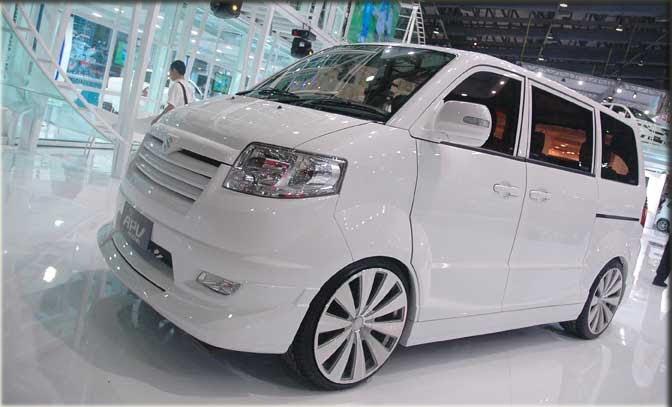 Suzuki Fatur: Apv Luxury