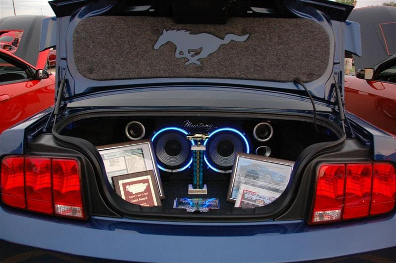 Rare Pony 2006 Mustang Stampede Edition New Subwoofer Enclosure