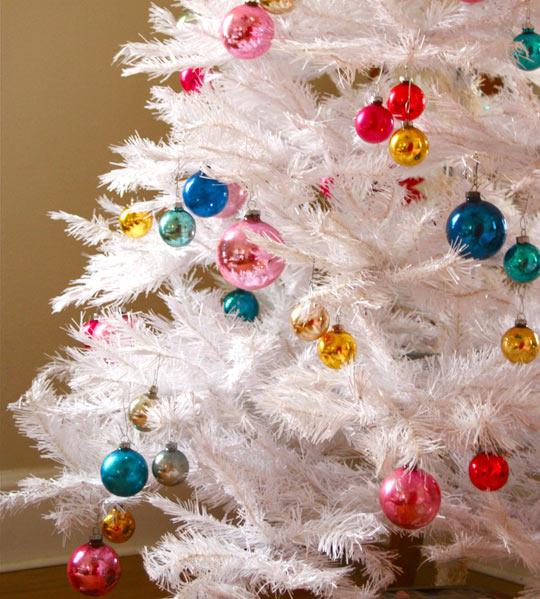 White Christmas Tre: Little Lovables: Inspired Christmas: The White Tree