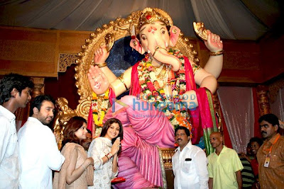 Shamita Shetty & Shilpa Shetty at lord of ganesh