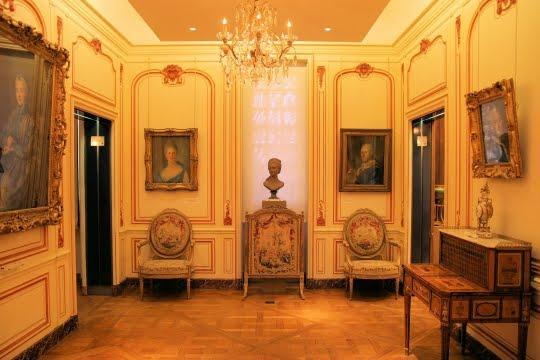 le mus e cognacq jay la parisienne du nord. Black Bedroom Furniture Sets. Home Design Ideas